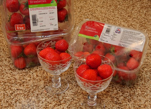 Polyester Films Packaging Strawberries